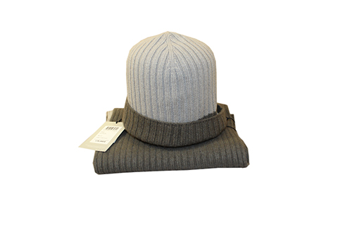 Cashmere twinset (Scarf and hat)