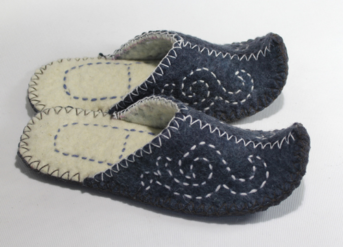 Mongolian felt slipper made by handmade
